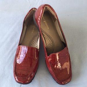 Easy Spirit Burgundy Leather Shoes Sz 8 NWOT